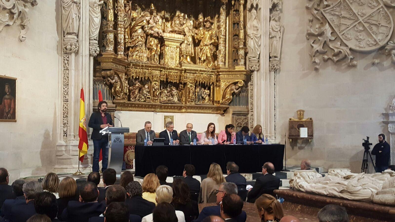 Photo of IUCyL reivindica la separación Estado e Iglesia en los actos de la Administración autonómica